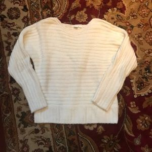 Thick Gap Off-White Sweater